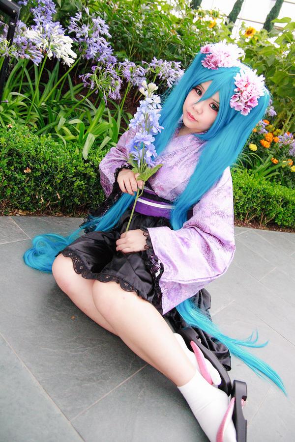 Vocaloid Dreaming Little Bird Hatsune Miku