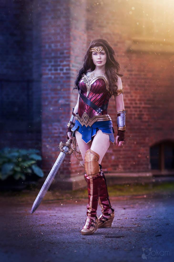 Wonder Woman Ready For Battl
